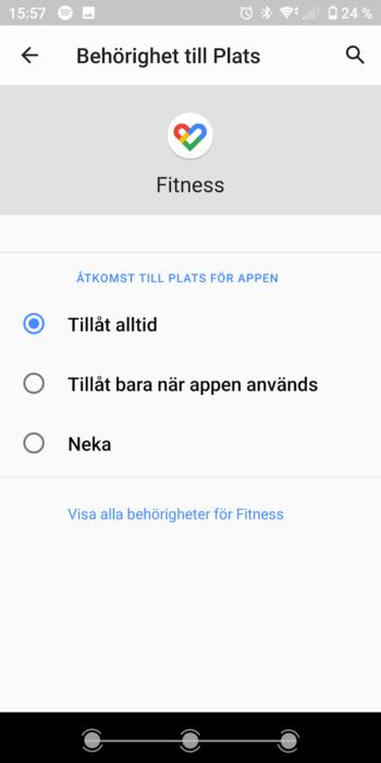 """Inställningsmenyn på en android-telefon. Visar vilken åtkomst appen Fitness har i förhållande till plats. Valen är """"Tillåt alltid"""", """"Tillåt bara när appen används"""" och """"Neka"""""""